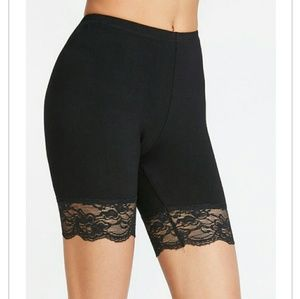 Pants - Short Lace Leggings