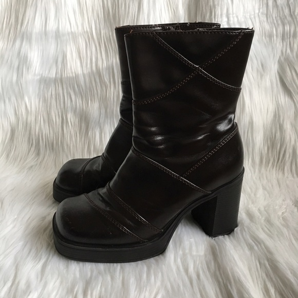 a69065ea7d6e03 Lower East Side Shoes - Y2K Vintage Dark Brown Chunky Mid Calf Boots