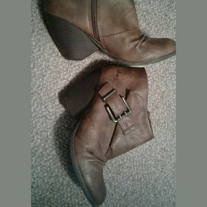 Blowfish Shoes - Blowfish ankle boots, size 8, LIKE NEW