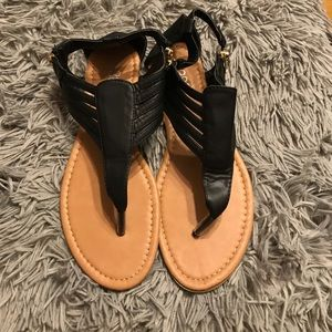 385 Fifth Shoes - Black Sandals