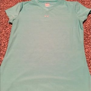Under Armour Tops - Athletic T-Shirt