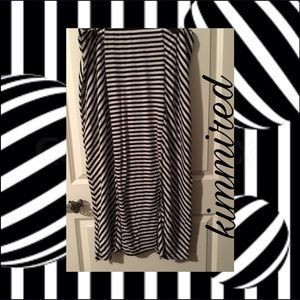 Dresses & Skirts - Black & White Striped Maxi/Carwash Skirt ~ 3X~NWOT