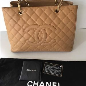 Authentic chanel gst size 33 cm (SOLD)