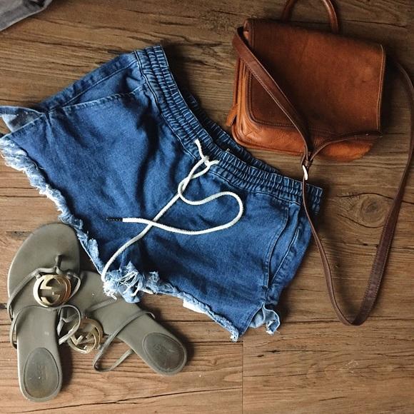 Urban Outfitters Shorts - BDG | Drawstring med wash jean shorts | small