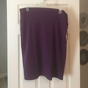 LuLaRoe Dresses & Skirts - NWT LuLaRoe Purple Cassie skirt