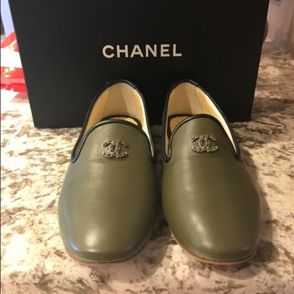 556f8eb5d12 NIB Chanel Olive Patent Leather Loafers