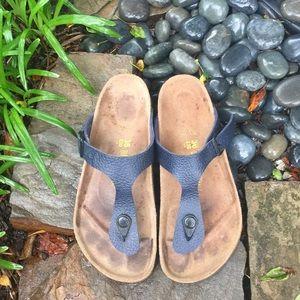 Birkenstock Shoes - Dark Navy Birkenstock Gizeh sandals