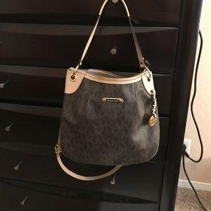 Michael Kors Handbags - 💝💝Michael Kors Jet Set Brown Shoulder Bag💝