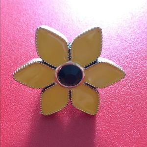 Betsey Johnson Jewelry - Betsey Johnson Daisy Ring