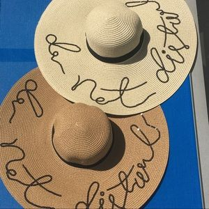 """Accessories - 5⭐️ Rated! Floppy hat w sequined """"Do Not Disturb"""""""