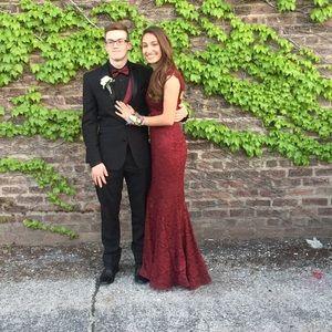 Betsy & Adam Dresses & Skirts - Betsy & Adam- Maroon Lace Prom Dress