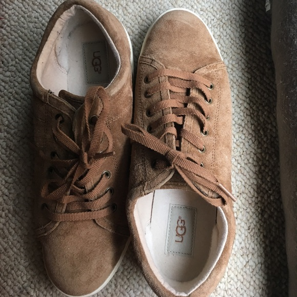 736d73a0010 Ugg Karine sneakers size 10