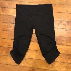 lululemon athletica Pants - Lululemon Gray Ruched Cropped Leggings Size 10