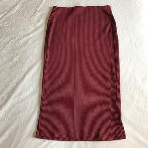 Old Navy Dresses & Skirts - Old Navy burgundy pencil skirt.