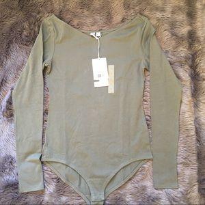 Uniqlo Tops - UNIQLO olive green bodysuit