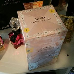 Marc Jacobs daisy so fresh bnib