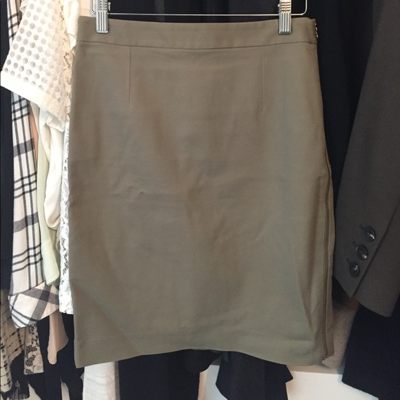 63 club monaco dresses skirts club monaco olive green pencil skirt size 2 from maggie s