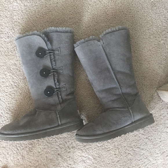 Uggs With Buttons On Side 67% off UGG Sho...