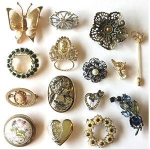 Vintage Jewelry - 15 Vintage Pins Brooches 60s to 80s Rhinestone