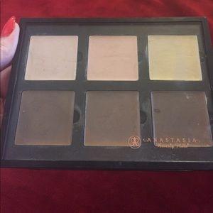 Other - Anastasia Beverly Hills cream contour kit light