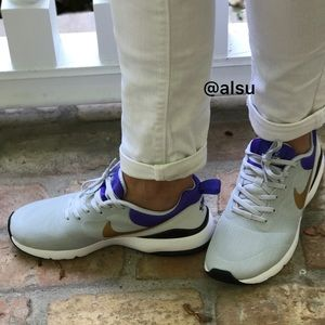 Nike Shoes - Nike Air Max Siren W.