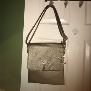 other Handbags - Nice gunmetal purse/no brand available