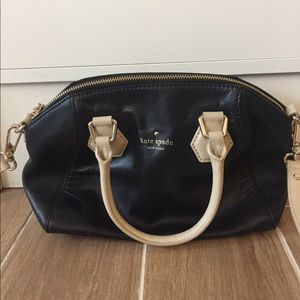 kate spade Handbags - Kate Spade Black & Tan Crossbody Bag
