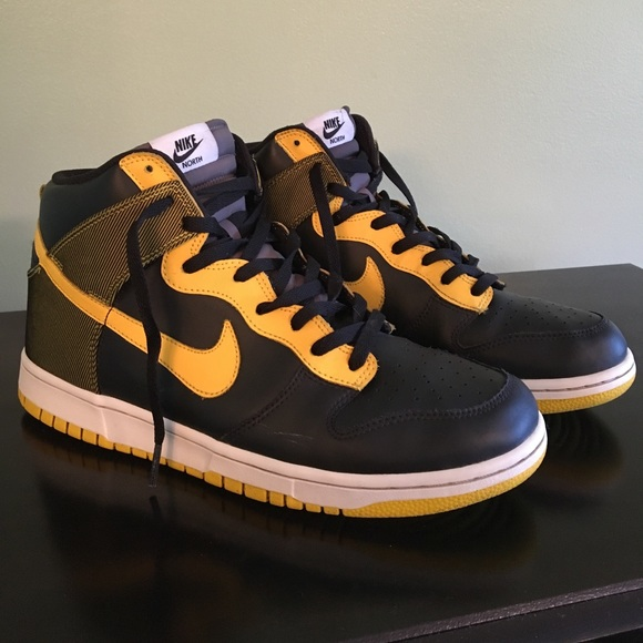 new style 23d39 937cc ... Varsity Maize Black - 10.5. M 592099c4a88e7db212010922. Other Shoes you  may like. Men s Nike Air ...