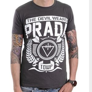 Hot Topic Tops - The Devil Wears Prada Band Tee