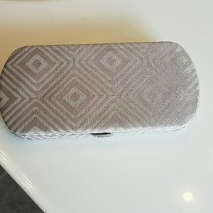 Thirty one Handbags - Thirty one hard sided wallet