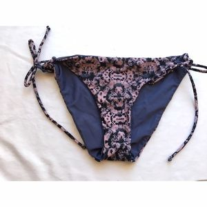 RVCA Other - RVCA- Reversible bikini bottoms, size large