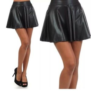 Dresses & Skirts - ❤️ Matte Black Leather Circle Skater Mini Skirt