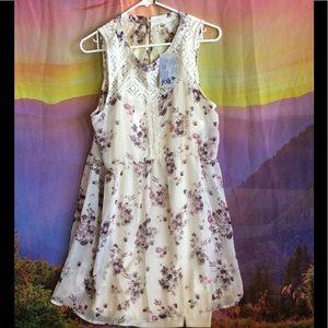 Jolt Dresses & Skirts - New pretty floral dress