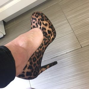 Shoes - SEXY!! Very comfy LEOPARD SATIN HEELSZ 7.5