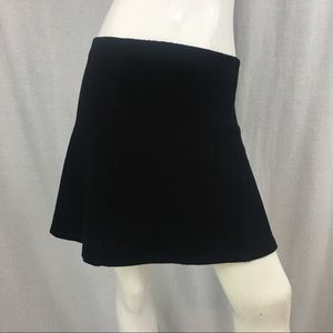 🌺Medium Zara Black Chevron Bell Flare Mini Skirt
