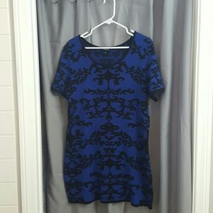 Black and blue short sleeve sweater dress