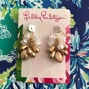 NWT Lilly Pulitzer Gold & Pearl Drop Earrings