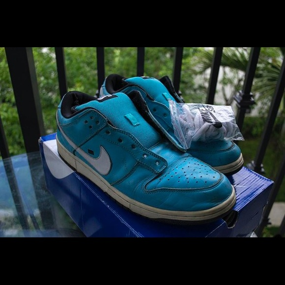 0b91ca549ee09 Nike Dunk Sb Tokyo Taxi   The Centre for Contemporary History