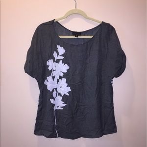 Worthington Tops - Flower shirt sleeve top