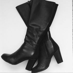 me too Shoes - Black Leather Boots