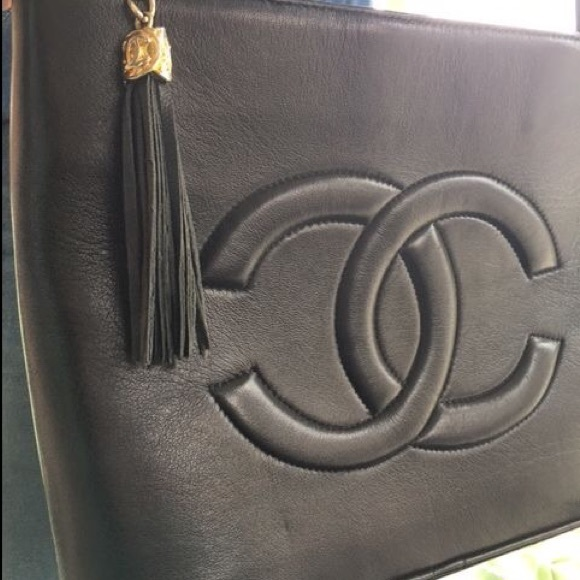 CHANEL Bags   Vintage Messenger Bag From The 70s   Poshmark 7c3cc0b80c