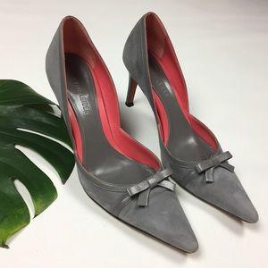 Judith Leiber Shoes - Judith Lieber 🌷 sz 9 B suede leather low heel