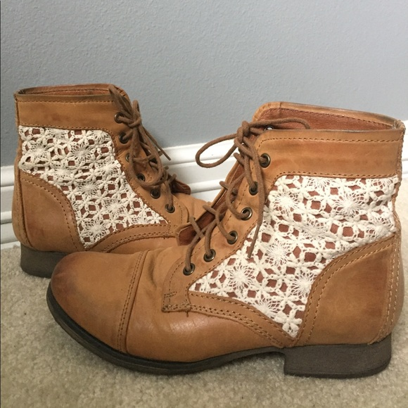 169f6b96b86 Thundr-C Cognac Multi Crocheted Lace Up Boots. M 5920b9a0713fde624d015f54