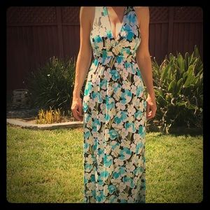 Necessary Objects Dresses & Skirts - Gorgeous Flower Dress