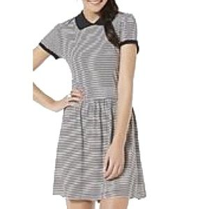 BONGO Dresses & Skirts - ✌️2 FOR $20✌️B&W Striped Polo Collar Swing Dress