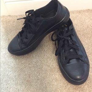 converse shoes non slip