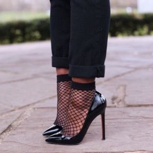 Accessories - Oversized Fishnet Ankle Sock