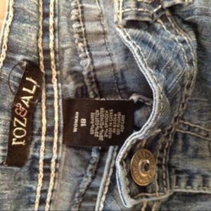 29cfe5e2d69 Roz   Ali Jeans - Plus Size Roz   Ali Denim Capri Cropped Pants