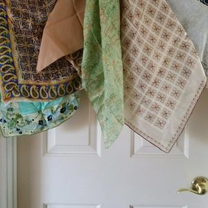 Accessories - 10 assorted scarves