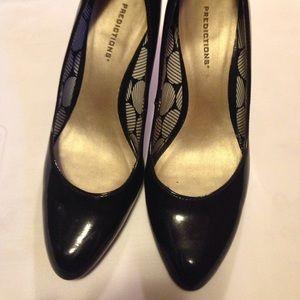 Shoes - Black pumps!